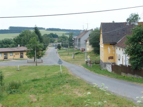 Hlavní silnice - pohled odseveru